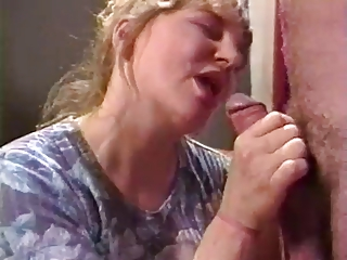 Mature Lady Gets Fisting And Fucked