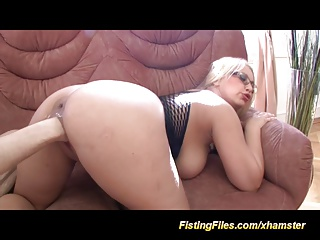 Busty Babes Deep Pussy Fisting