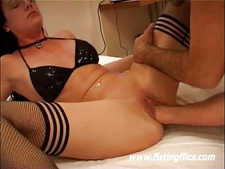 Hot Amateur Babe Fisted Till Her Body Shakes In Orgasm