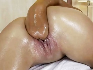 Sexy Teen Brunette Fisting Her Wet Pussy