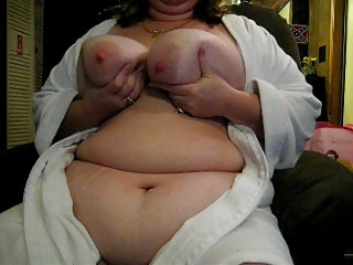 WANDA SHOWING OFF HER HUGE TITS AND CUNT