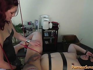 Ms. Savannah Fisting And Enormous Strap-on Punishment