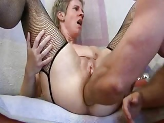 Amateur – German Mature Anal Fist Cucumbers Dildo