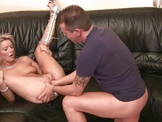 Milf Chick Gets Her Wet Pussy Stuffed