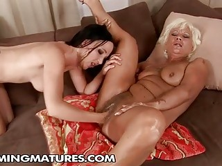Hairy Granny Pussy Gets Fisted