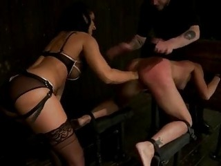 Blistering Amber Rayne Gets Her Hot Asshole Fisted